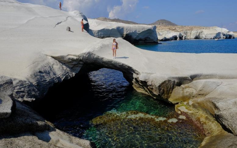 Sarakiniko caves